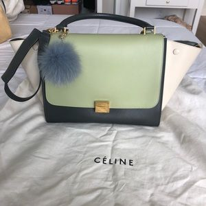 🌱CELINE trapeze shoulder bag in pistachio color🌱